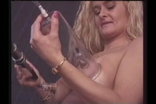 Nice tits pumping